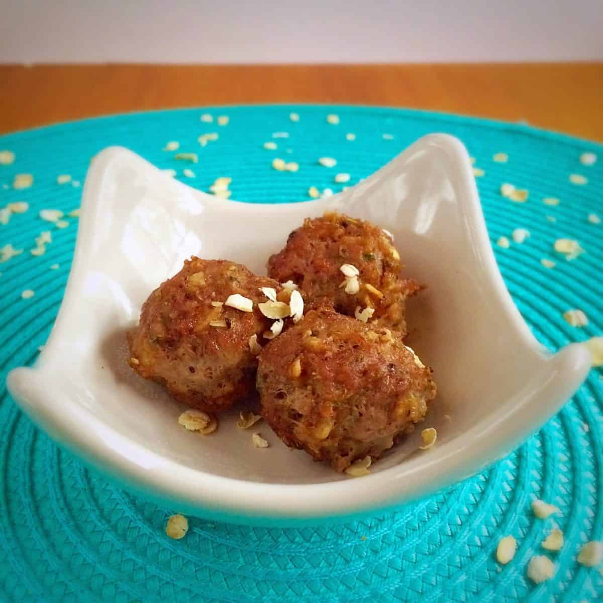 Gluten Free Meatballs ~ with Oatmeal!