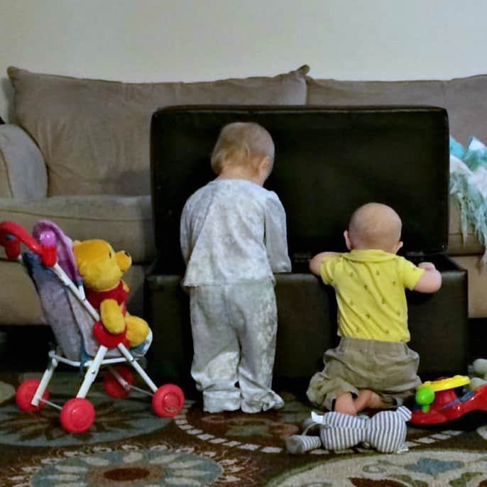 Two Under Two-Real tips for surviving baby bunching, from someone who's done it.