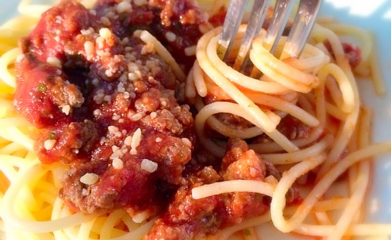 Homemade spaghetti sauce. Simple and quick dinner recipe. Almost as easy as opening a jar!