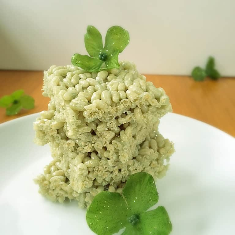 Green Rice Krispie Treats ~ Easy St Patrick\'s Day Recipes