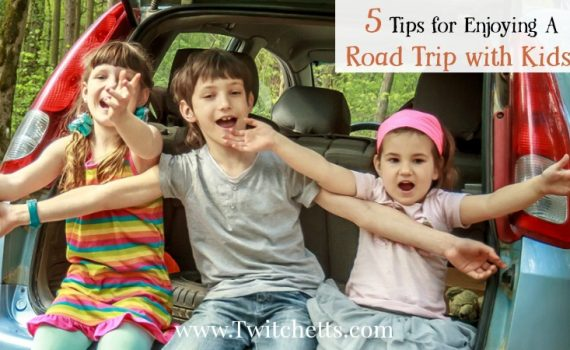 Enjoy the Road trip with your kids. These 5 tips for traveling with kids will make this part of your family vacation fun and memorable. Don't dread the summer car ride or the trip to see grandma. Includes a free bingo and road trip activity pack
