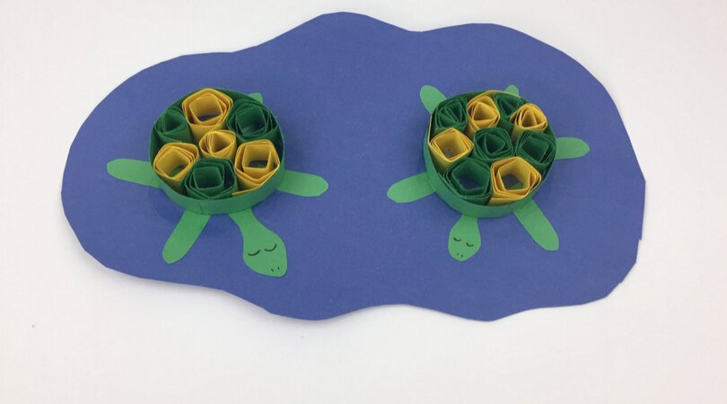 Easy paper quilling turtle that your kids can make from construction paper