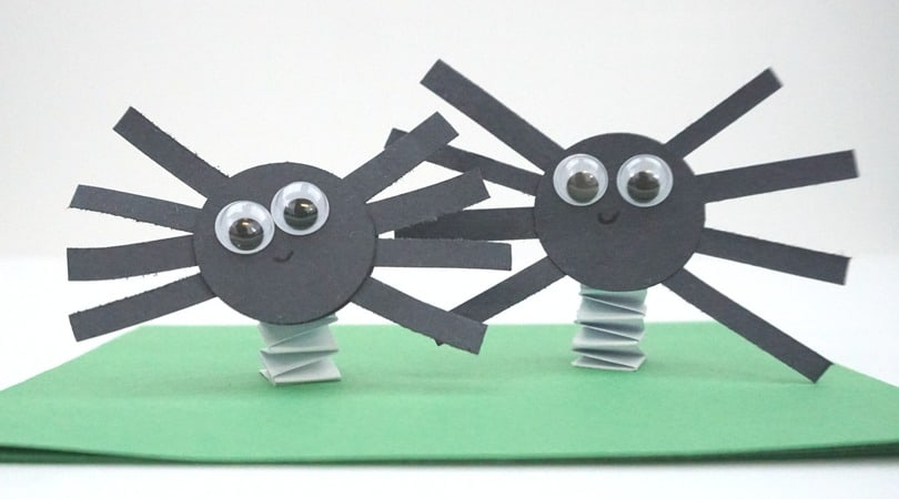 Bouncing Construction Paper Spiders ~ Halloween Craft For Kids