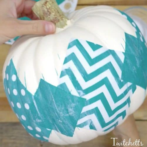 This teal fabric pumpkin craft is the perfect addition to our teal pumpkin ideas. A Halloween craft that's perfect for kids and adults!