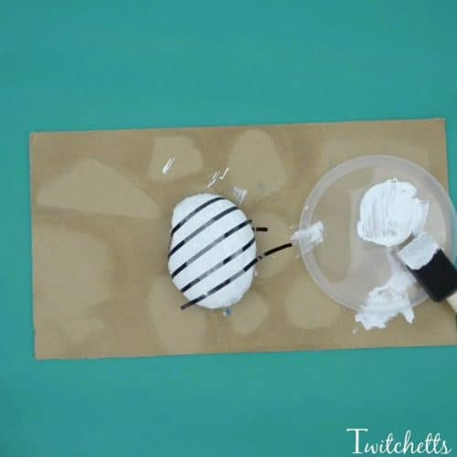 Creating These Beautiful Christmas Striped Stones Is Easier Than You Think This Easy Rock Painting
