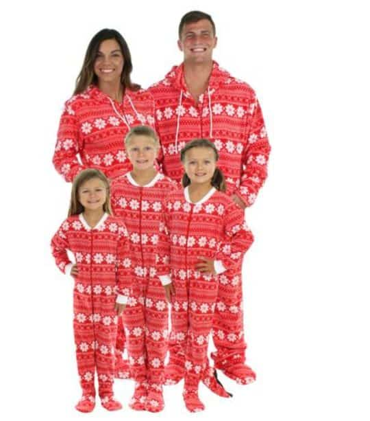 7 of the cutest matching family christmas pajamas twitchetts for Funny matching family christmas pajamas