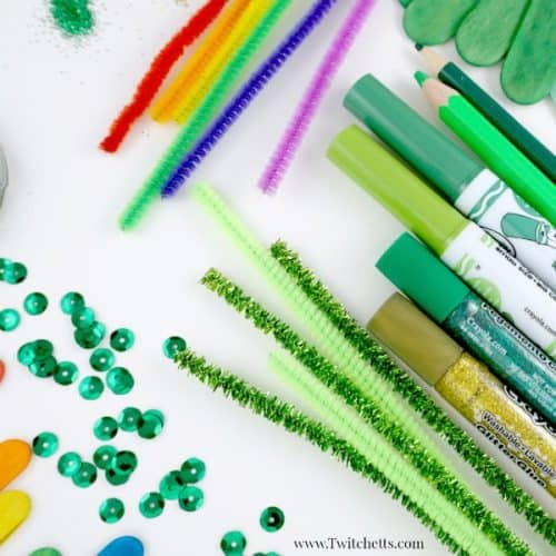 St Patrick's Day Arts and crafts. from shamrocks to four leaf clovers and the rainbows in between. There is something for everyone in this collection of St Patty's day collection of crafts for kids and art projects.