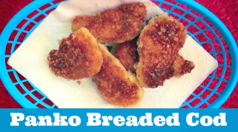 These delicious panko breaded fish nuggets are perfect for a weeknight meal. They are quick to whip up and kid-approved. #twitchetts
