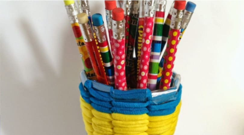 How to make a recycled pencil holder from plastic bottles