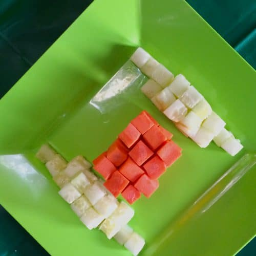The best ideas from desserts to snacks for your Minecraft birthday themed party.
