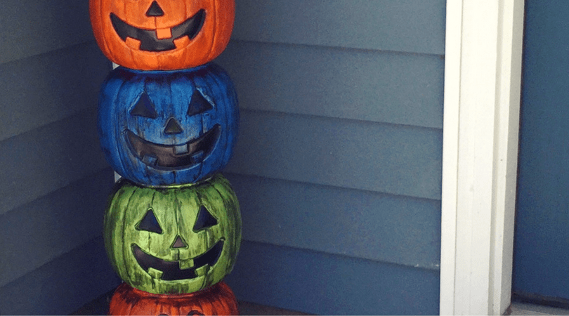 How to make a fun pumpkin totem pole perfect for Halloween