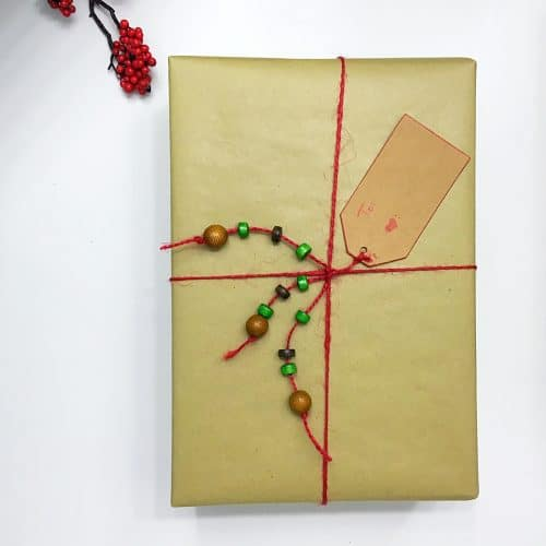 Christmas wrapping ideas-Finding fun wrapping paper for Christmas or birthdays is fun. This gift wrap is quick and inexpensive.