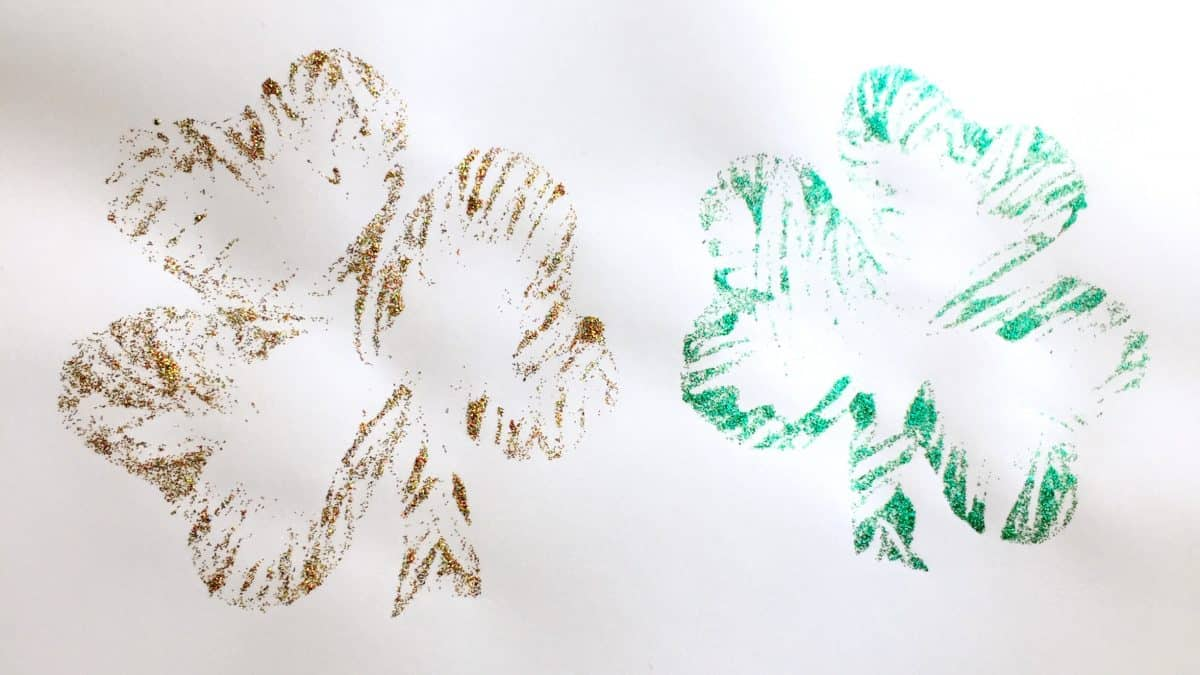 St Patrick's Day Crafts for Kids ~ Glitter Shamrocks