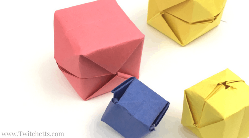 These fun blow up paper boxes are always a hit with the kids. This construction paper craft will be something they will make over and over again!