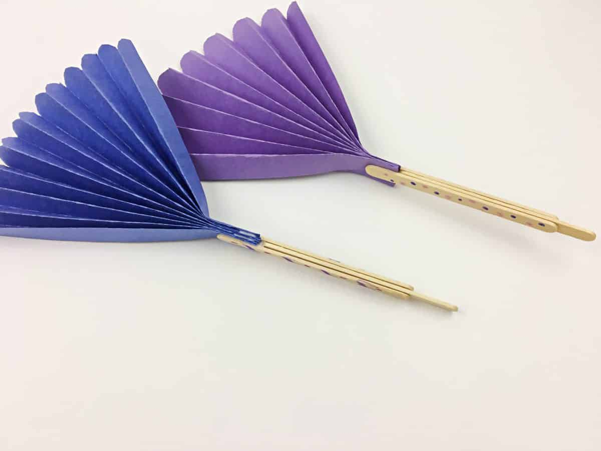 Construction Paper Crafts for Kids. DIY Paper fans with fun decorative handles!