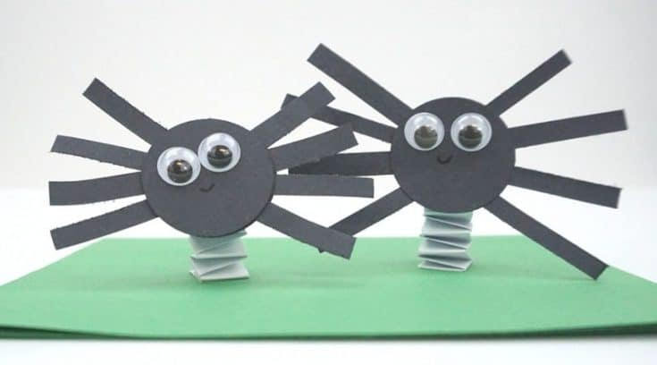 How to make fun bouncing construction paper spiders
