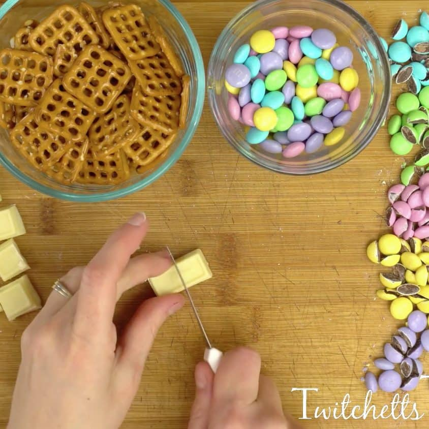These bunny snacks are perfect Easter treats! They are quick to make with your kids and the perfect combo of sweet and salty!!