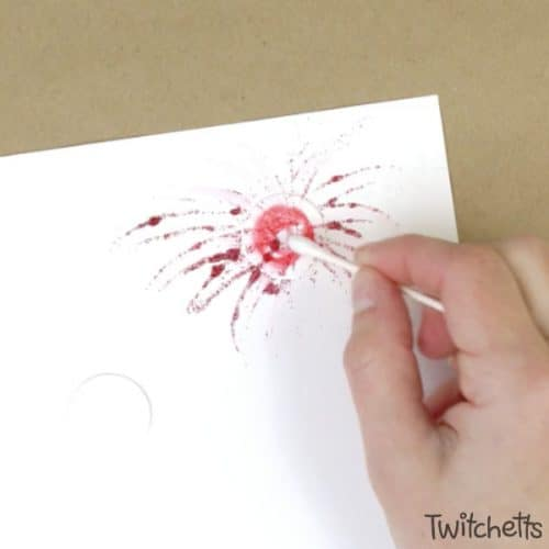 Create amazing firework art using this fun technique. Add in some mess-free glitter, and you have a fun and sparkly patriotic craft that your kids will love creating.