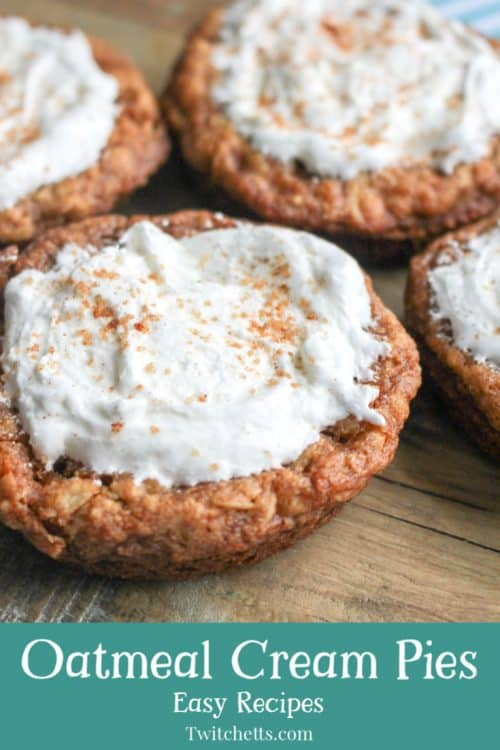 These oatmeal cream pies are a delicious oatmeal cookie that kids will love! #twitchetts