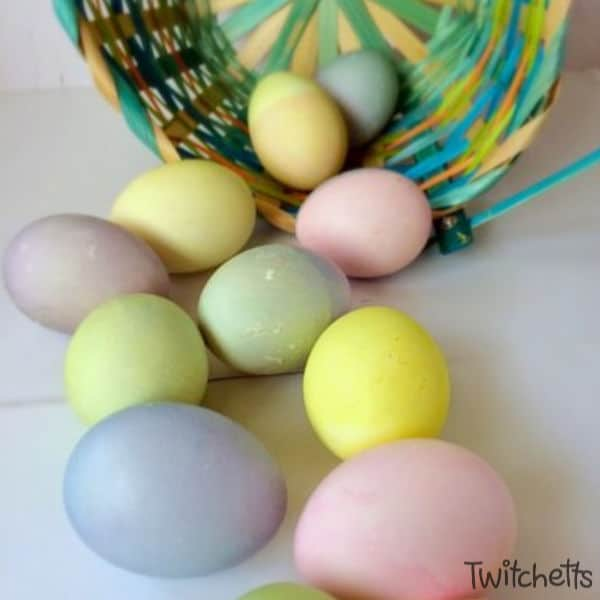 Easter egg decorating with natural dyes