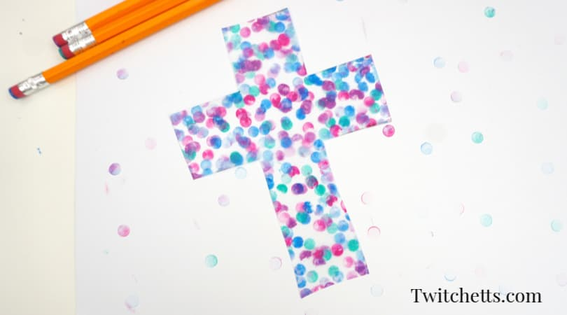 How to make a cross suncatcher craft that's perfect for all ages