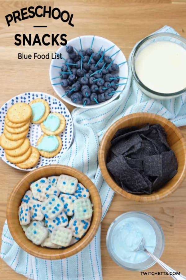 teach the color blue to your preschoolers with the help of these blue snacks #twitchetts