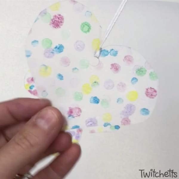 heart shaped suncatcher craft for preschoolers to make