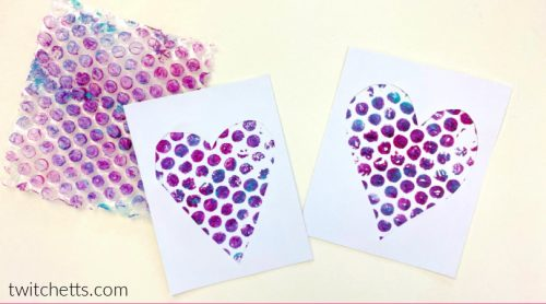 This unique project creates heartart with bubble wrap.It's perfect for a Valentine's day project, or to make a fun gift for mom!
